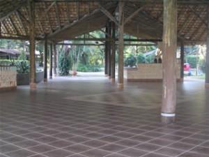 Salão com 650m²