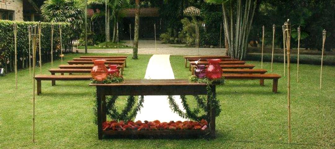 Altar ao ar livre no Sítio Arvoredo